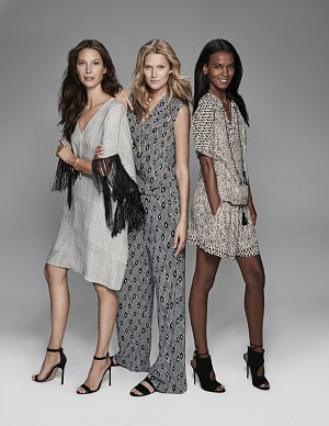 Zleva Christy Turlington, Toni Garrn a Liya Kebede.