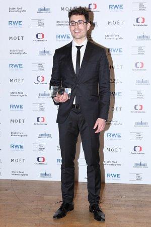 Scénárista Štěpán Hulík přebíral cenu za svou prvotinu Hořící keř.