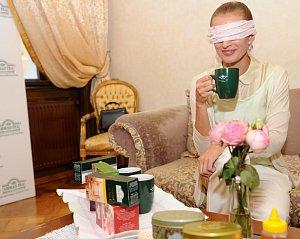 Ivana Jirešová si s poznáváním čajů skvěle poradila.