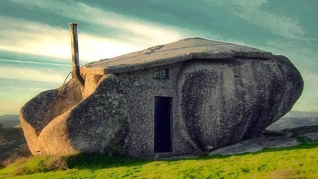Kamenný dům jako z Flintstoneů 1