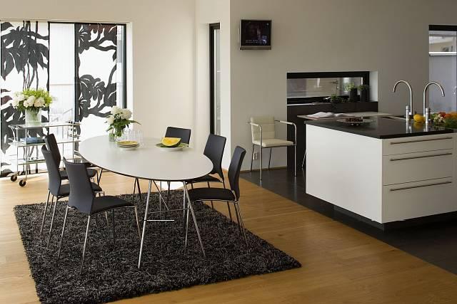 Interiér s typickými výrobky severského designu