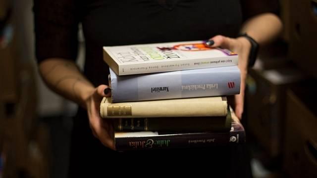 Nepotřebné knihy pusťte do světa, aby dělaly radost dalším čtenářům.