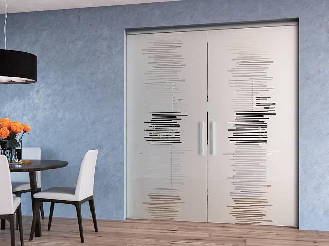 Celoskleněné dveře pískované, stavební systém Pouzdro Aktive Komfort