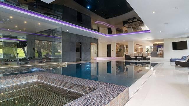Bazén a tělocvična