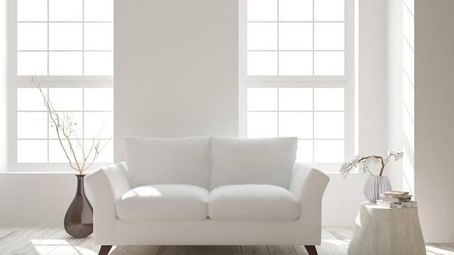 Skandinávský styl vnáší do domácnosti jednoduchost a eleganci. Bílá barva však podle našeho názoru není příliš vhodná pro sedačky do domácností s malými dětmi či chlupatými mazlíčky.
