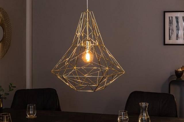 Luxusní kovový lustr Cage L zlatá / Zdroj: Malva Rosa