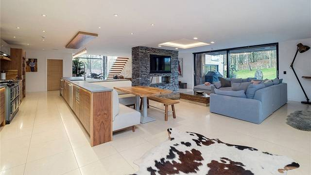 Kuchyně a obývací pokoj