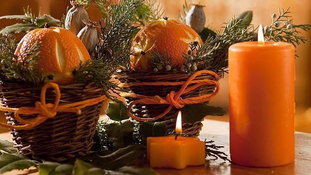 Vyřezávané pomeranče s vůní hřebíčku