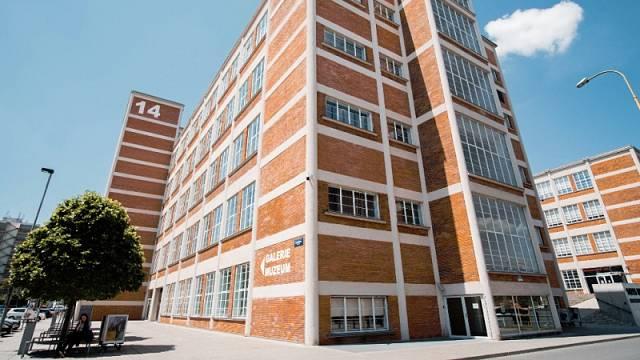 14/15 Baťův institut v sobě mimo jiné ukrývá galerii a muzeum.
