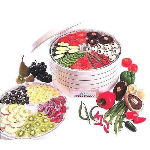 Pokud nemáte vhodné místo, můžete na sušení bylinek použít i pečicí troubu nebo sušičku ovoce, například EZIDRI Ultra FD1000.