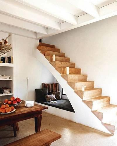 Místo pod schody