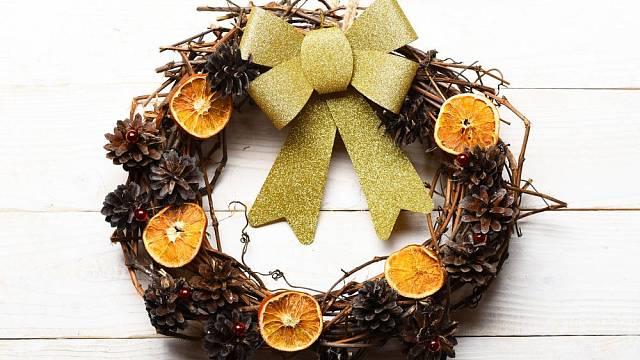 Voňavé zimní dekorace z citrusových plodů