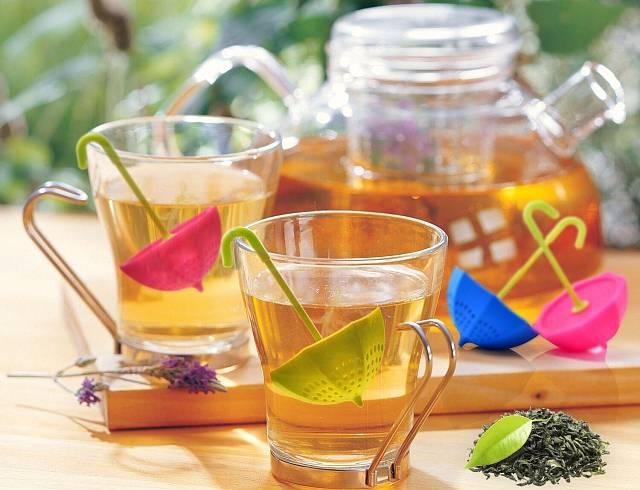 Dopřejte si lahodný čaj. S neotřelými infuzéry dosáhnete přesného dávkování a postupného uvolnění čaje do vody. Díky tomu, že jsou ze silikonu, nehrozí, že byste se popálili nebo opařili.