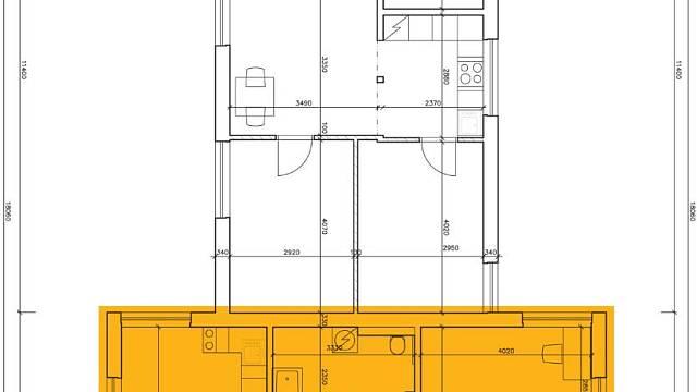 Dispozice druhé půlky domu je řešena lépe