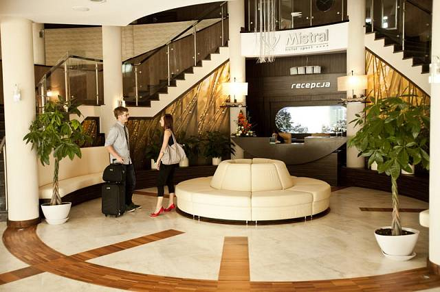 Hotel Mistral, v němž bydlí Španělé