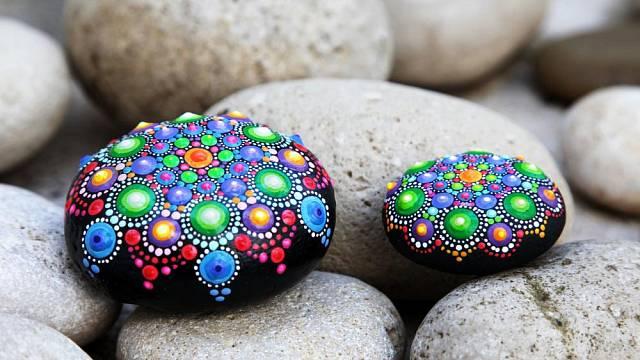 malovani kamenu