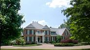 Steven Seagal prodává už poněkolikáté svou nemovitost v Tennessee. Uspěje tentokrát?