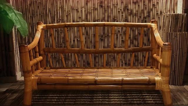 Bambusový nábytek