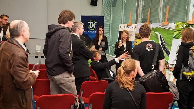 Bouřlivá diskuze o soutěžních návrzích na slavnostním vyhlášení 29. 4. 2011 na brněnském výstavišti