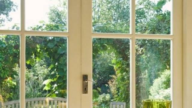 Péče o plastová a hliníková okna