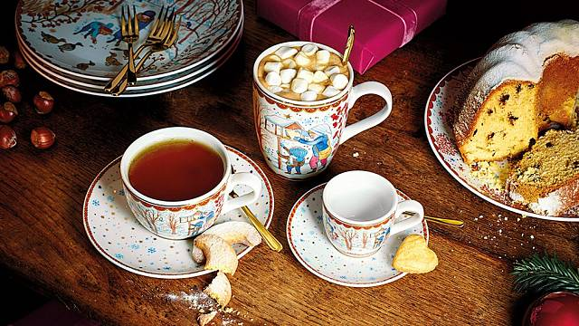 Autorkou motivů pro porcelánku Hutschenreuther firmy Rosenthal  je opět ilustrátorka Renáta Fučíková.