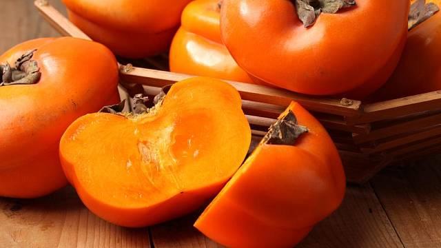 Plody tomelu japonského - kaki