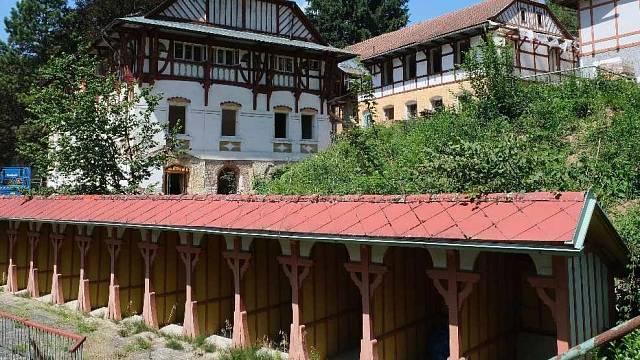 Letos začala rekonstrukce Vodoléčebného ústavu a Slunečních lázní