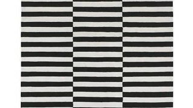 Hladce tkaný koberec IKEA STOCKHOLM RAND s rozměry 170 x 240 cm prodává IKEA (cena 3990 Kč)