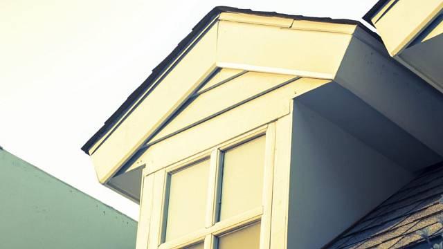 Vikýře jsou jednou z možností, jak obytný prostor pod střechou přizpůsobit