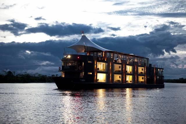 Loď na Amazonce 6