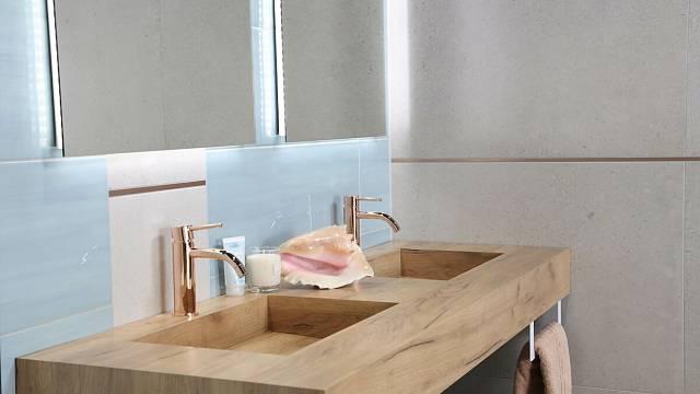 Deska sintegrovanými umyvadly ze série Salgar Compakt potěší příznivce moderního designu