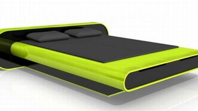 Zeleno-černý návrh lůžka pochází z pera uznávaného návrháře Karima Rashida. Kromě úložného prostoru v záhlaví je zajímavá integrovanou iPod stanicí.