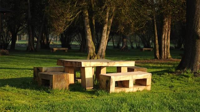 Stůl a sezení Foto: Petr Soudek