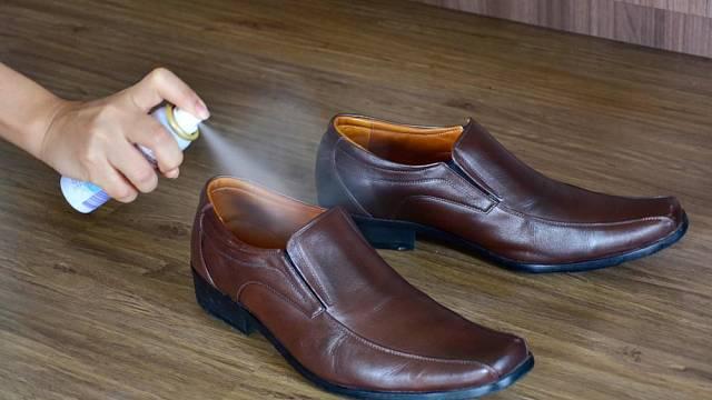 Speciální antibakteriální sprej chrání boty proti vzniků plísní a nepříjemným zápachem.