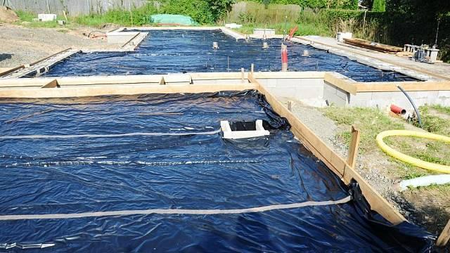 Příprava plochy na stavbě před betonáží drátkobetonem STEELCRETE