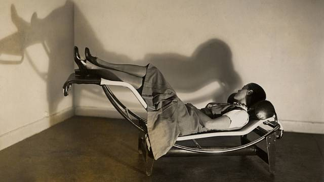 Charlotte Perriand, Le Corbusier, Pierre Jeanneret - Chaise longue basculante