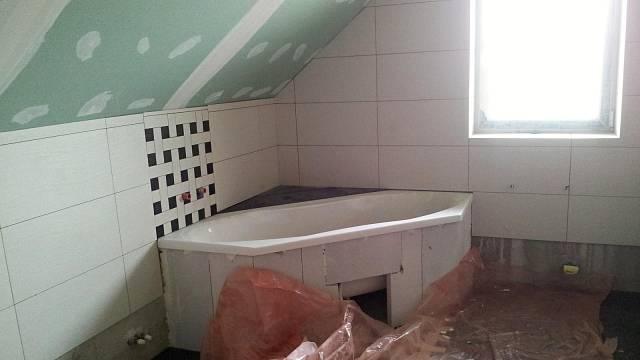 Vana v horní koupelně