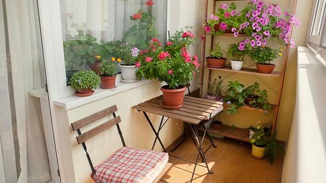 maly balkon