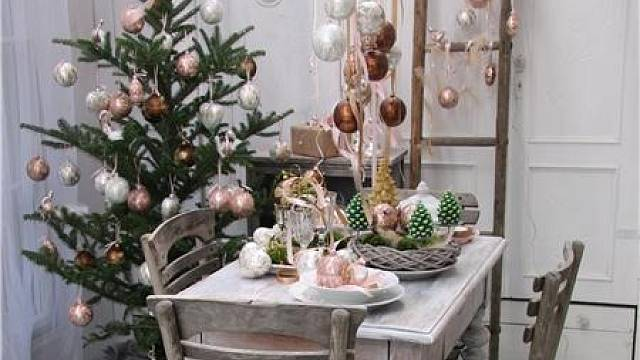 Letošním trendem jsou Vánoce v pastelových barvách