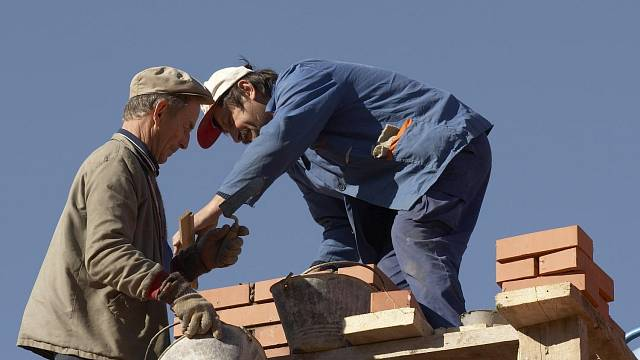 Stavba komína není jednoduchá záležitost. Práci přenechte raději odborníkům