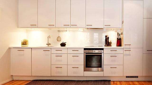 Trouby jsou nejčastěji umísťovány pod varnou deskou a nad oběma spotřebiči je praktická digestoř.