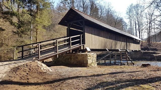 Rekonstrukce lávky v Prudké, soutěžící WaVe Structural Design s.r.o.; Vítěz odborné poroty v kategorii Velké dřevěné konstrukce – realizace