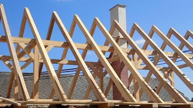 Rekonstrukce domu a stavba nového zděného komínu