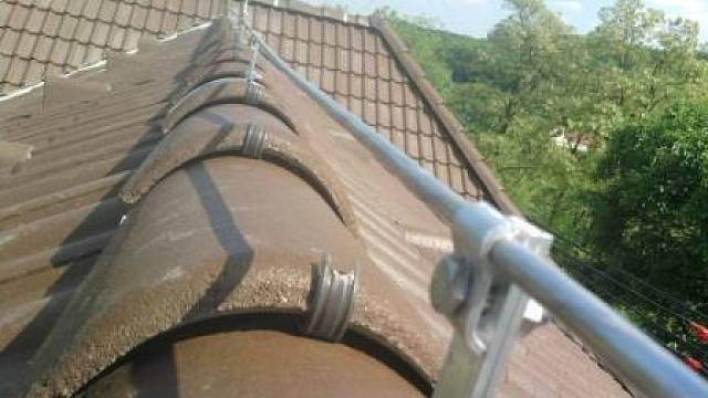 Konstrukce hromosvodů a třída ochrany je určována podle typu střechy a použité krytiny, a pak podle velikosti, výšky, konstrukce a využití stavby.