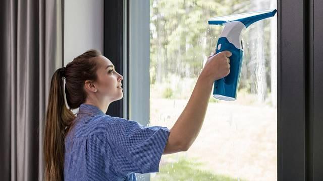 Mytí plastových oken