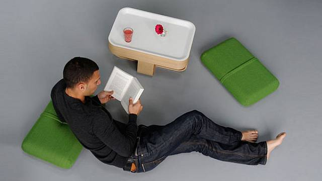 Židle-stolek-polštáře 1