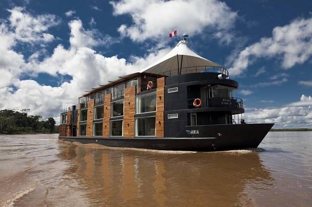 Loď na Amazonce 4