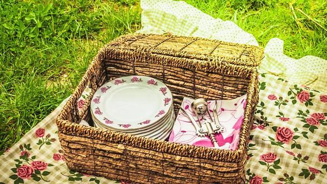 Elegantní a dokonale sladěné detaily vytvoří z pikniku přímo sváteční událost.