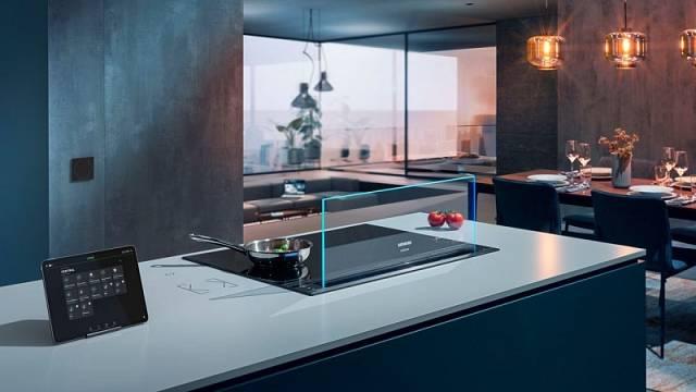 Díky technologii Home Connect bude systém automatizace budov Loxone Miniserver monitorovat například i varnou desku Siemens, a tím přispěje k větší bezpečnosti majitele bytu, když nebude doma.