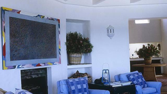 Interiér utopený v modré barvě